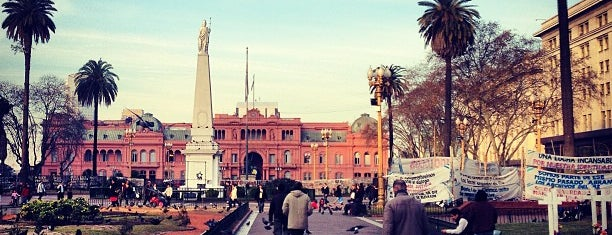 Plaza de Mayo is one of @Buenos Aires.