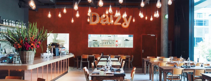 Daizy is one of Zürich ••Spottet••.