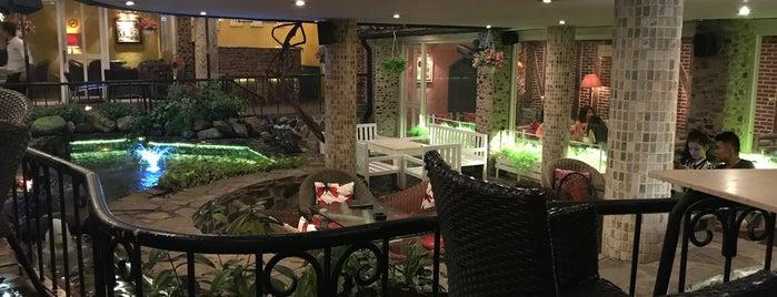 Sorrento Café is one of Cafe quán.