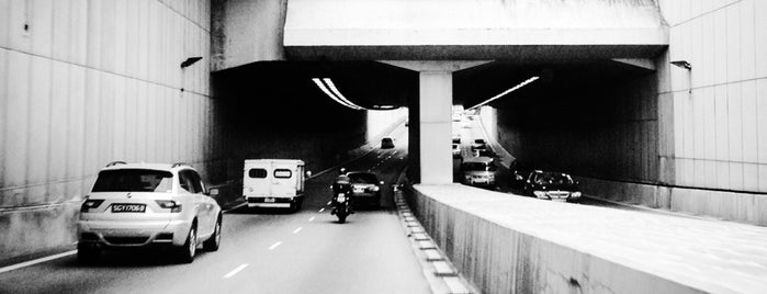 Braddell Underpass is one of Non Standard Roads in Singapore.