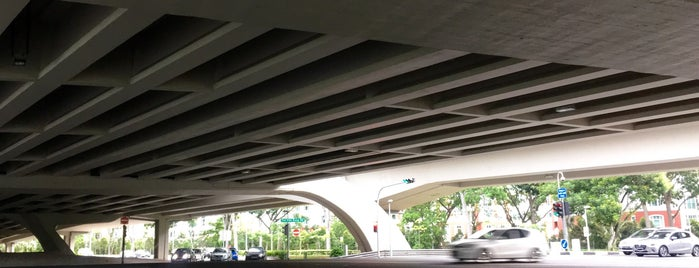 Yio Chu Kang Flyover is one of Non Standard Roads in Singapore.