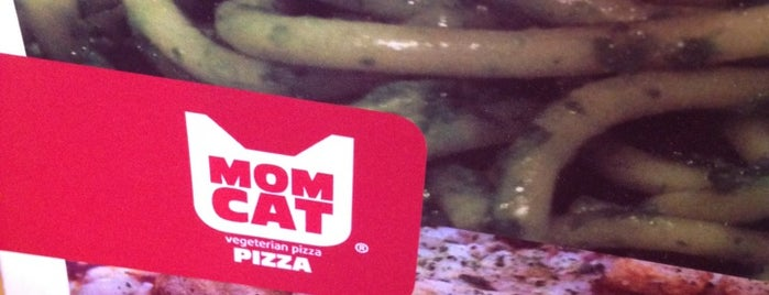 Mom Cat is one of Restaurantes.