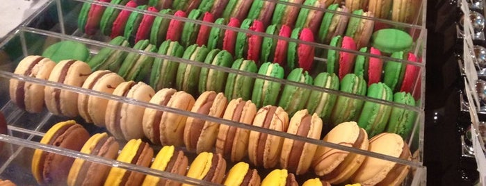 Patisserie G is one of Hole-in-the-Wall finds by ian thomtori.