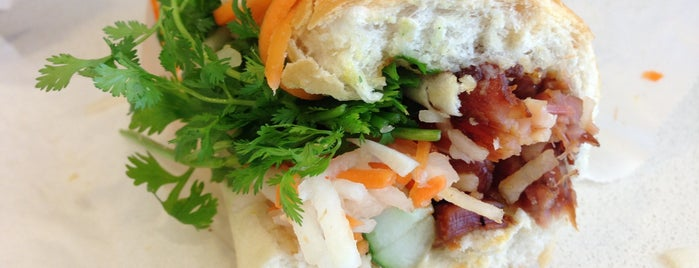 Banh Mi Saigon Bakery is one of Thai Vietnamesich und Japanisch.