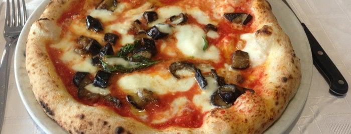 Pizzeria O'Vesuvio is one of Discounts.
