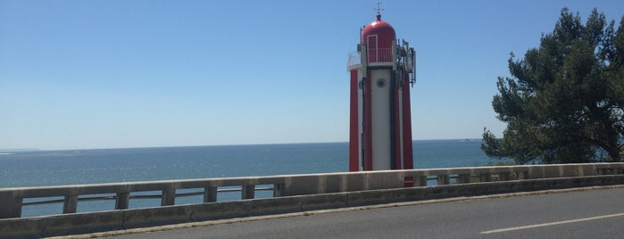 Farol de Gibalta is one of TOP Oeiras.