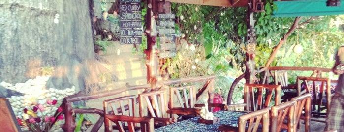 Diamond Cliff Beach Restaurant & Bar is one of Koh Lanta TINO.