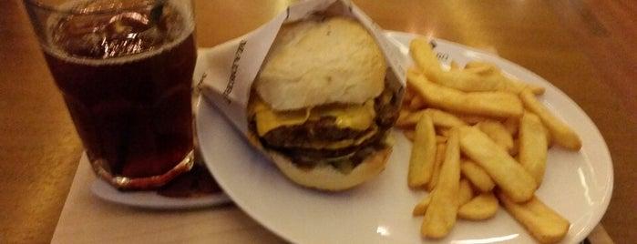 Madero Burger & Grill is one of melhores hamburgueres de SP.
