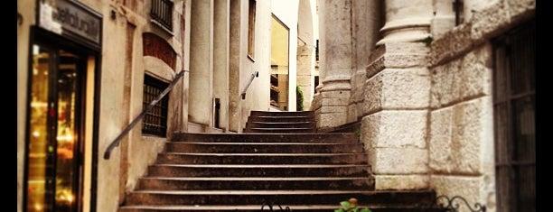 Il Grottino is one of Locali dove bere..