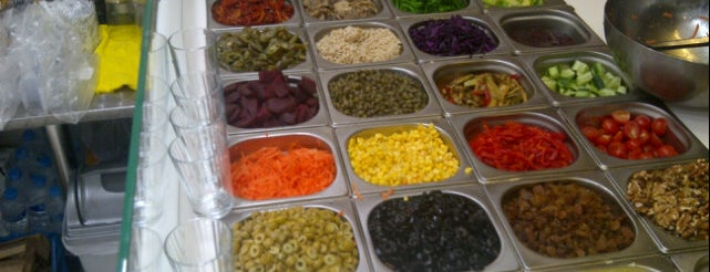 1901 Salata New York is one of Nişantaşı'nda Öğle Yemeği Arası.