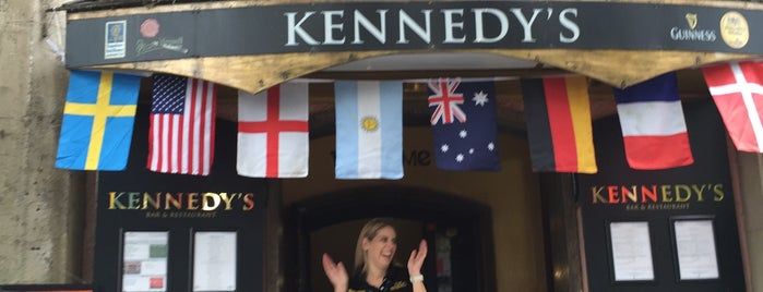 Kennedy's Irish Bar & Restaurant is one of Die 30 beliebtesten Irish Pubs in Deutschland.