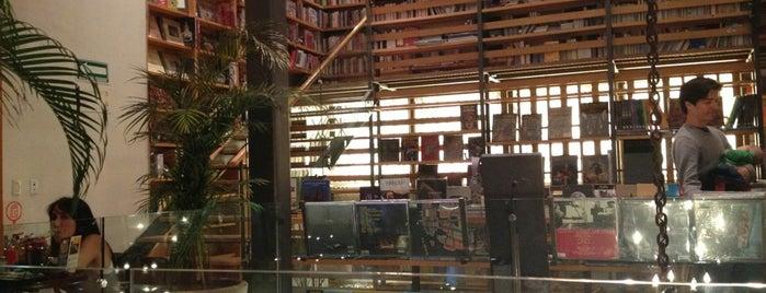 Cafebrería El Péndulo is one of To Shop (Books).