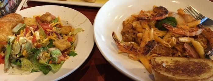 Cheddar's Scratch Kitchen is one of Q C.