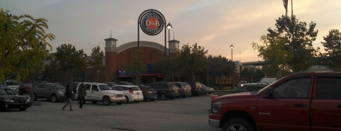 Dave & Buster's is one of Favorite place's.