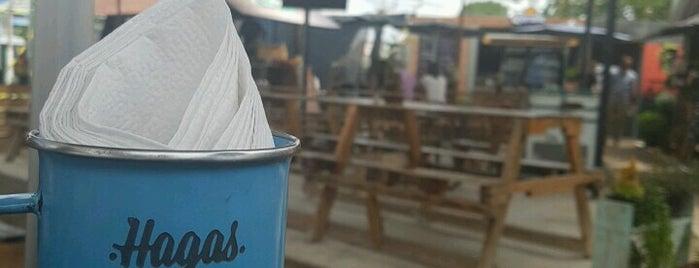 Nómadas Street Food is one of Being here.