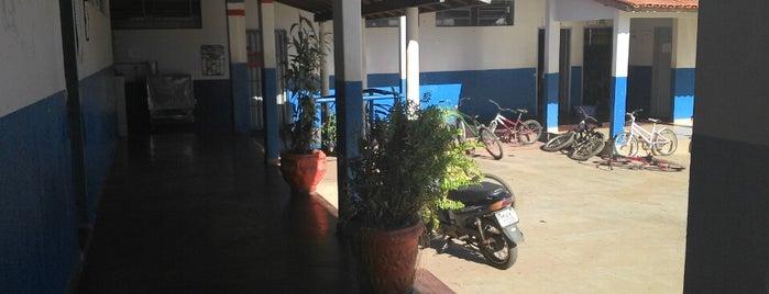 Escola Municipal Pouso Alegre is one of Educação em Paraíso do Tocantins.