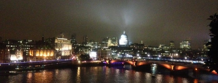 Oxo Tower Bar is one of The Best London Bars With A View.