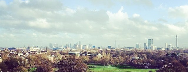 Primrose Hill is one of London // Outdoors.