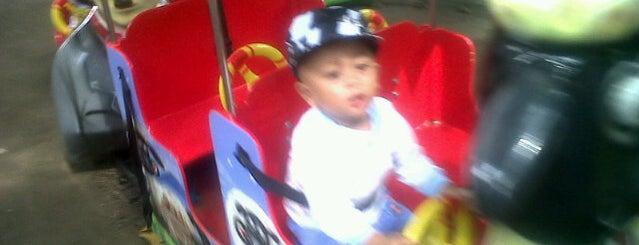Alun Alun Sleman (Lapangan Denggung) is one of Sleman Sembodo.