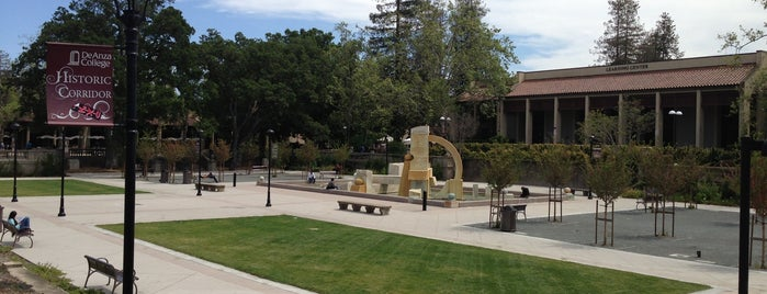 De Anza College is one of Steve Jobs Biographical life line.