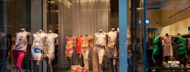 Bleu c'est gris is one of CityZine Gent Clothing.
