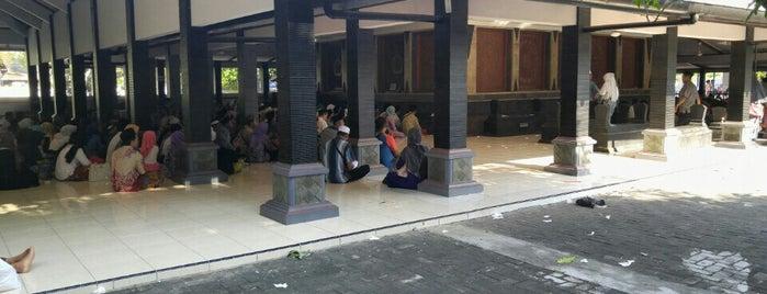 Makam Sunan Kalijaga is one of Wisata Jateng DIY.