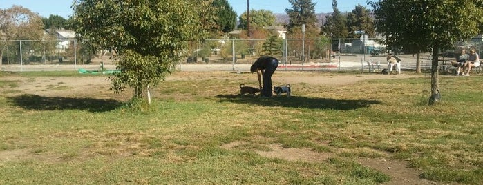 Whitnall Off-Leash Dog Park is one of For K9 friends in SFValley+.