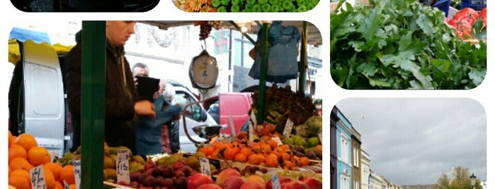 Notting Hill Gate Farmers Market is one of London.