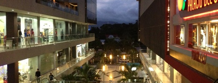Bella Terra Mall is one of Fave's.