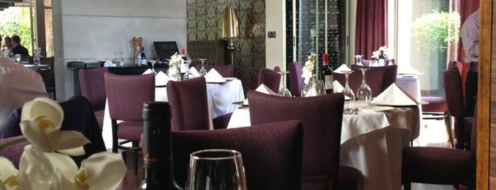 Tamarindo's is one of Restaurantes chileros en Guatemala.
