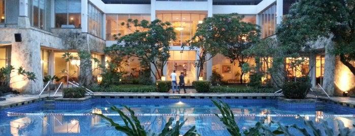 Sheraton Bandara Hotel is one of Transportasi & Akomodasi.
