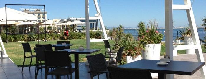 Aquatic Restaurant et Salon de thé is one of Restos.