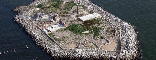 Hoffman Island is one of Abandoned NYC.