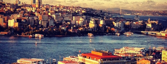 Mimar Sinan Teras Cafe is one of Nargile Istanbul.