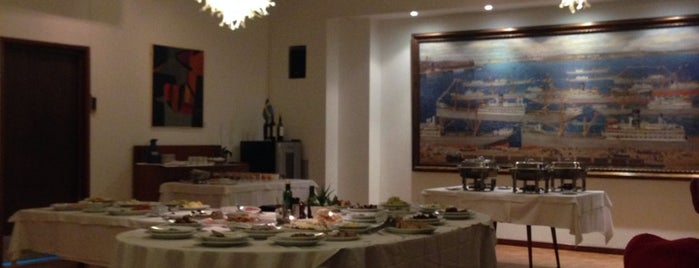Asociación Sueca is one of Los mejores restaurantes de colectividades.