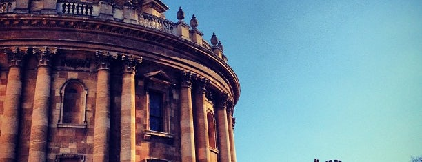 Bodleian Library is one of Oxford.