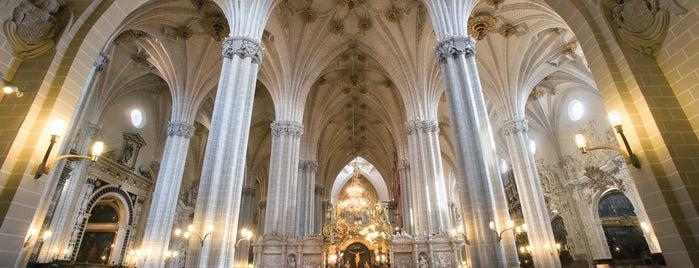 Catedral del Salvador (La Seo) is one of HOSTAL TORRE MONTESANTO.