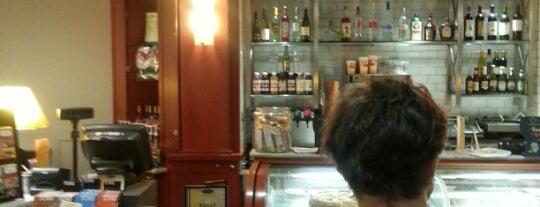 Il Fornaio Caffe Del Mondo is one of Foodies.