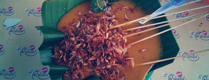 Sate Padang 'Akbar' is one of Medan culinary spot.