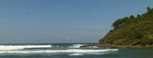 Pantai Karang Bolong is one of Wisata Jateng DIY.