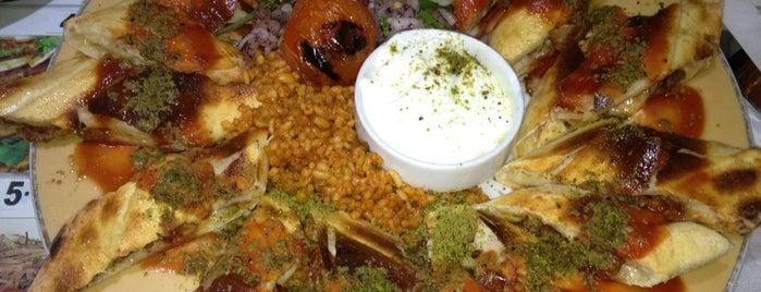 Halim Usta Altın Nazar Kebap ve Pide Salonu is one of Gezgin geyikler yemekte.