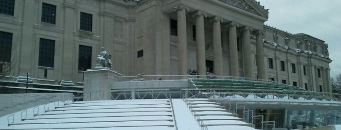 Brooklyn Museum - Plaza is one of B. Locations.