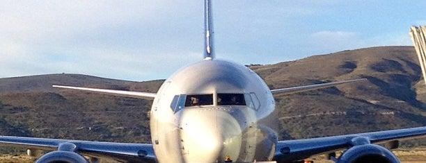 Aeropuerto Internacional de Bariloche - Teniente Luis Candelaria (BRC) is one of Sur.