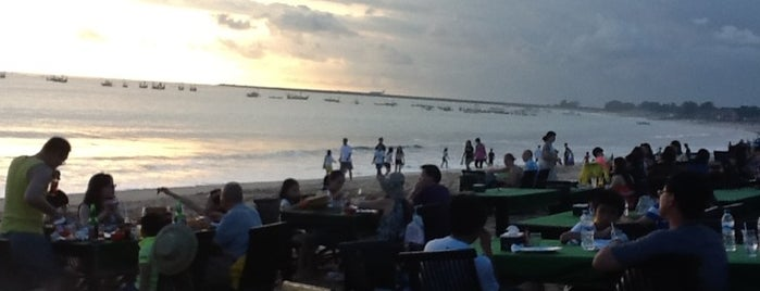 Jimbaran Bay Seafood is one of Bali Culinary.