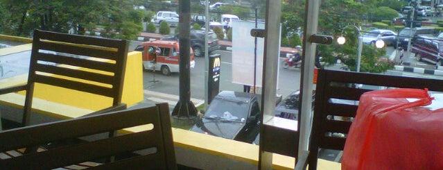 McDonald's is one of Top 10 dinner spots in semarang.