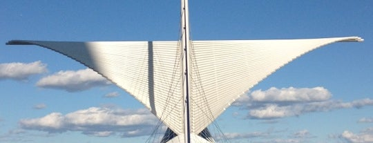 Milwaukee Art Museum is one of Favorite places in Milwaukee.