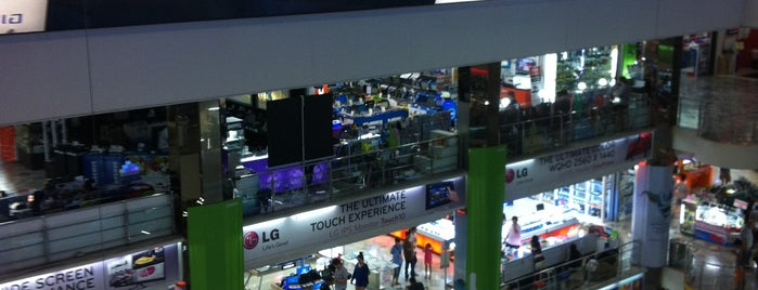Pantip Plaza Pratunam is one of Shopping mall.