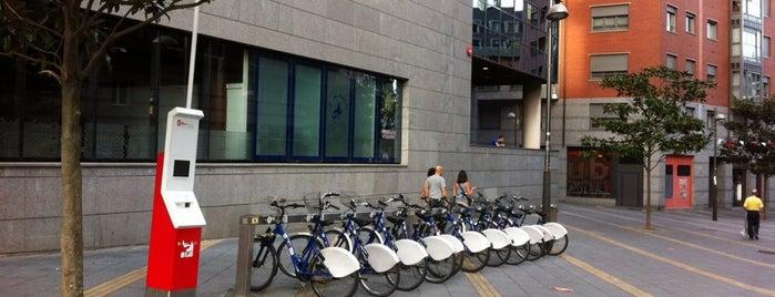 Estación de Bicicletas Bilbonbizi Miribilla is one of Estaciones de Bicicletas Bilbonbizi.