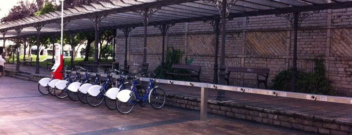 Estación de Bicicletas Bilbonbizi Levante is one of Estaciones de Bicicletas Bilbonbizi.
