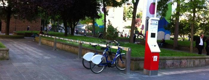Estación de Bicicletas Bilbonbizi Plaza Rekalde is one of Estaciones de Bicicletas Bilbonbizi.